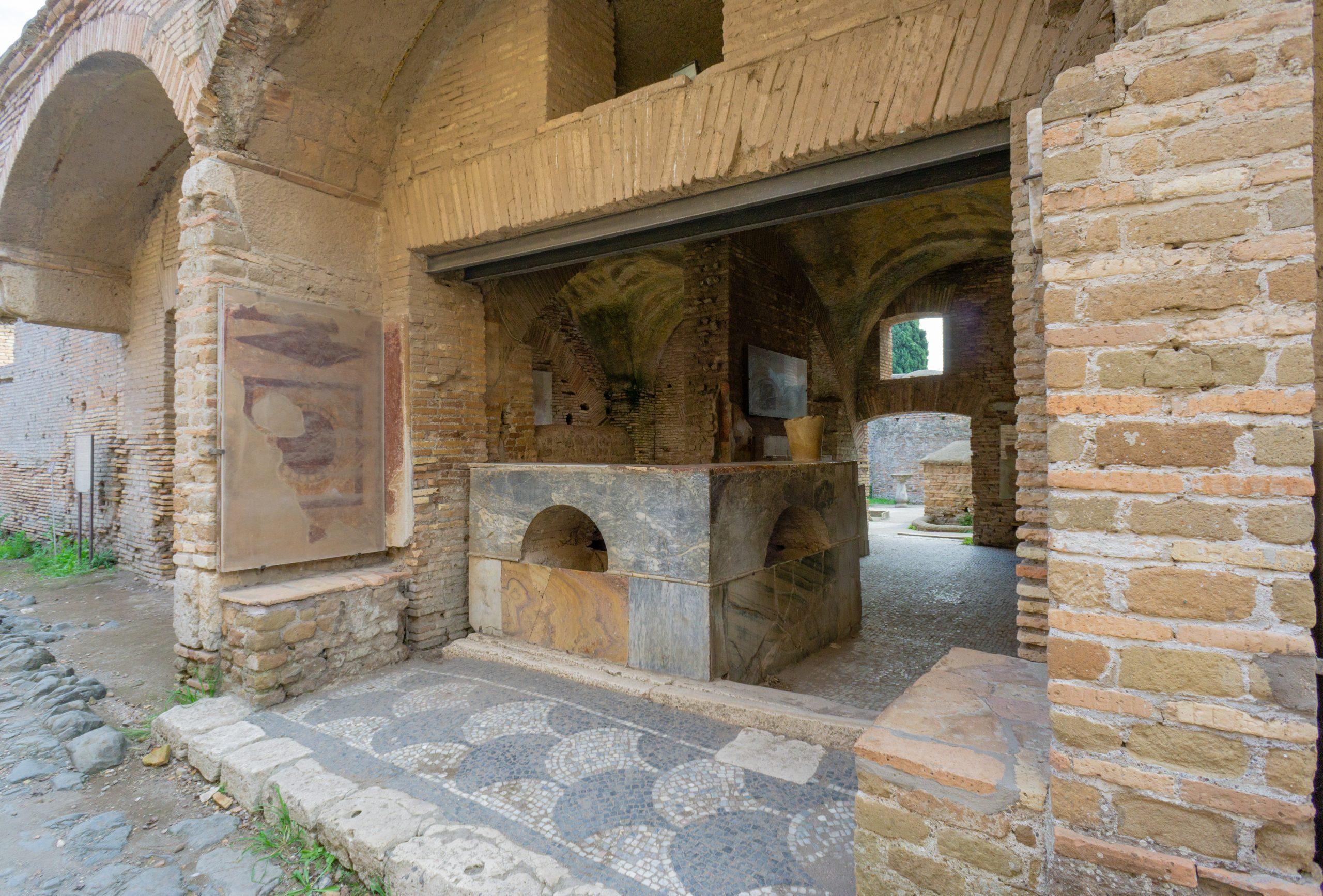 Thermopolium_Ostia Antica_Ancient Rome (2)